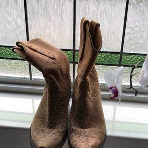 Shoes - Women's cowboy boots size 8 1/2